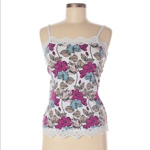 Floral tank top with lace hem